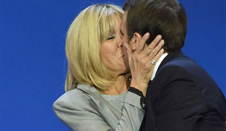 """""""Evviva l'amour!"""", Lucarelli pazza di Emmanuel e Brigitte"""