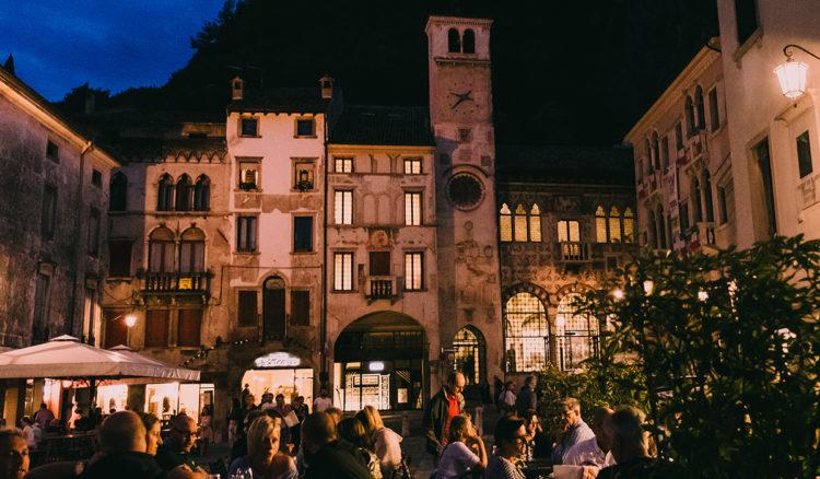 Lanterne a Serravalle accende l'estate vittoriese